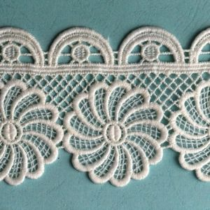 White Lace Embroidery Fabric Lace Motif pictures & photos