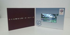 A4 A5 Cover Paper 7inch LCD Screen Video Greeting Card (VC-070) pictures & photos