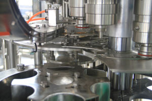 High Quality Automatic Carbonated Water Filling Machinery pictures & photos