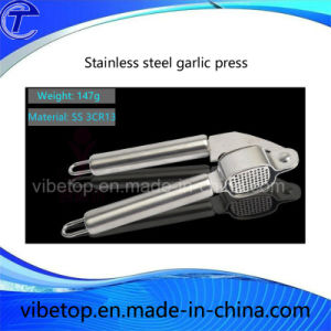 Wholesale High Quality Stainless Steel Kitchen Tool Garlic Press pictures & photos