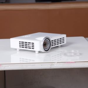 300 Inches OEM Home Theater Movie Android DLP LED Projector pictures & photos