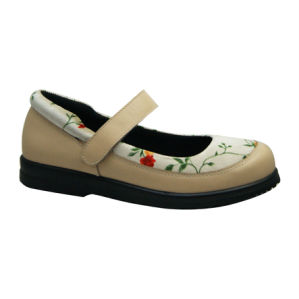 Grace Health Shoes Casual Comfort Shoes with Flower Design pictures & photos