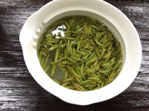 China Tea Guizhou Jade Buds Chinese Green Tea pictures & photos