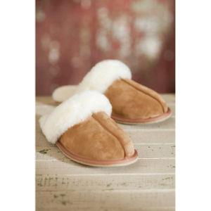 Warm Winter Sheepskin Fur Collar Women Indoor Slipper pictures & photos