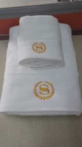 100% Cotton Cheap Embroider Hotel Bath Towels for Bathroom pictures & photos