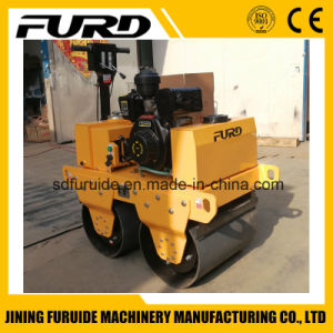 Hand Operated Mini Vibratory Tandem Road Roller pictures & photos