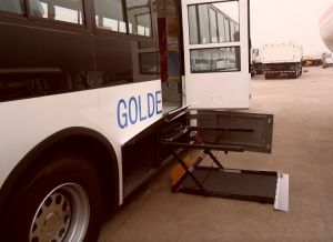 CE Scissor Wheelchair Lifter for Bus Hydraulic Wheelchair Lift pictures & photos