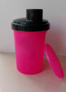 500ml Shaker Bottle with Strainer pictures & photos