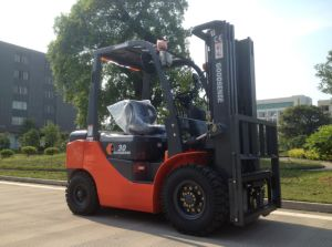 3.0ton Diesel Forklift Truck with Yanmar pictures & photos