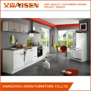 2018 Customized Lacquer Kitchen Cabinets Design in Matt/ High Gloss Finishes pictures & photos