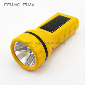 Solar Rechargeable Flashlight (T5134) pictures & photos