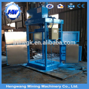 Hydraulic Plastic Bottle Baling Machine pictures & photos
