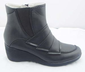 2013 Women′s Fashion Comfort Boots (130902-2)