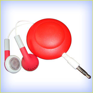Magnet Retractable Earphone/Red Retractable Earphone pictures & photos