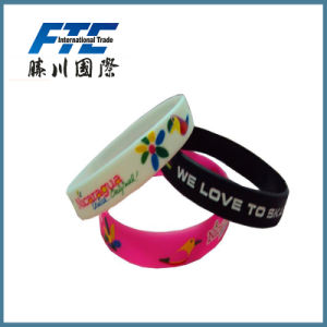 Various Styles Silicone Slap Wristbands for Promotion Gift pictures & photos