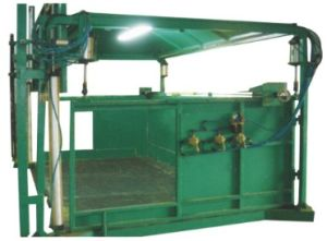 Automatic Pneumatic Quadrate Foaming Mould (F-2) pictures & photos