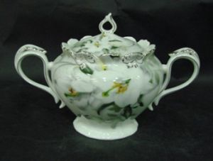 New Bone China Sugar Pot with Golden Decals pictures & photos