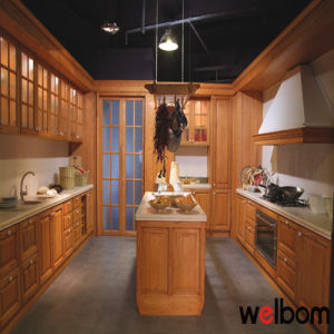 2016 Welbom Hot Sale Classic Solid Wood Kitchen Cabinet pictures & photos