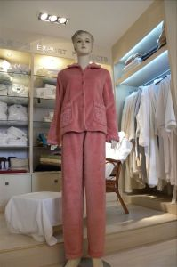 Coral Fleece Bathrobe (SDF D028) pictures & photos