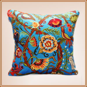 2017 Fashion Printed Cushion pictures & photos