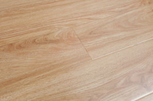 12mm Crystal Surface Flat Laminated Flooring -Ly809 pictures & photos
