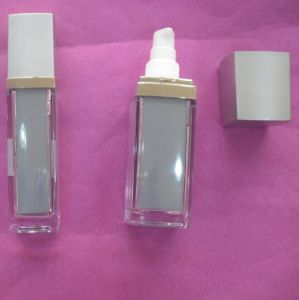 Cosmetic Plastic Bottle with Pump pictures & photos