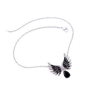 Elegant Inlaid Crystal Wings Shape Alloy Women′s Short Sweater Necklace Water Drop Design Pendant pictures & photos