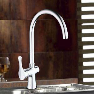 Goose Neck Spout Polished Brass Kitchen Faucet pictures & photos