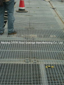 Hot Dipped Galvanized Steel Grating Floor pictures & photos