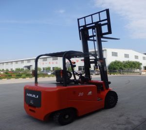2.5ton Loading Capacity Electric Forklift with CE pictures & photos
