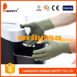 Ddsafety 2017 Bamboo Green Nylon /Polyester Gloves with Black PVC Dots pictures & photos