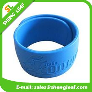 Popular Custom Slap Bracelets Wristband pictures & photos