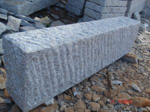 Cheap Grey Granite Rough Pick Kerbstone pictures & photos