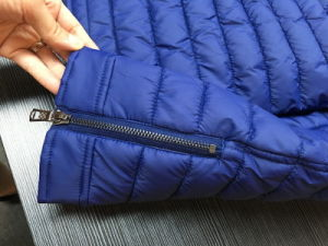 Men Quilted 4cm High Navy Padded Jacket pictures & photos