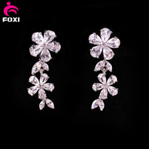 Flower Design White Gemstone Earring for Wedding pictures & photos