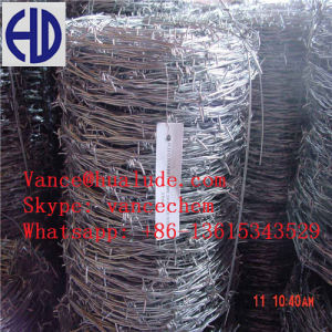 Low Price Plastic Surface Barbed Wire Roll Barbed Wire pictures & photos