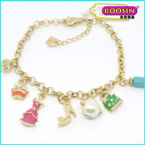 2016 Fashion Wholesale Lovely Boy and Girls Charm Gold Bracelet pictures & photos