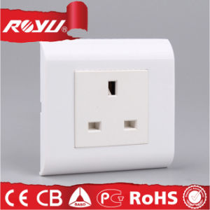 Bs Approved 13A British 3pin Modular Socket pictures & photos