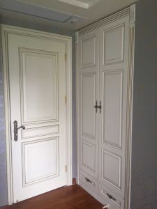Modern Walk in Closet with Solid Wood Doors From China pictures & photos