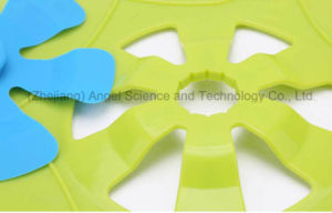 BPA Free Cooking Tool Silicone Pan Lid Over Spill Stopper Pot Lid SL17 pictures & photos