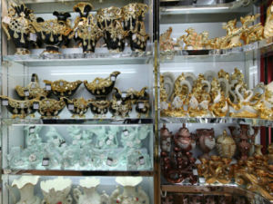 Yiwu Ceramic & Crystal Purchasing and Export Agent pictures & photos