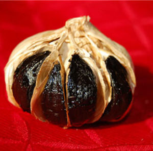 6cm Whole Black Garlic with Some Bulb pictures & photos