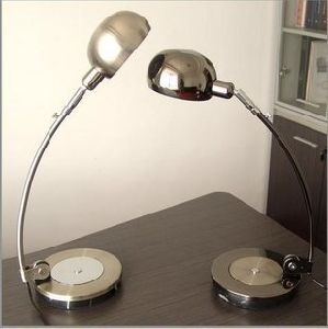 Fashion Table Lamp/Office Desk Lamp pictures & photos