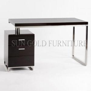 Modern Office Table Design High Gloss Laptop Computer Desk (SZ-OD472) pictures & photos