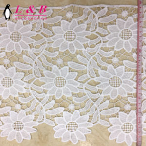30cm Polyester Embroidered Lace Trimming pictures & photos