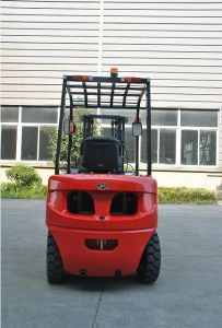 Un 2.5t Gasoline Forklift with Nissan K25 Engine and Triplex 4.3m Mast pictures & photos