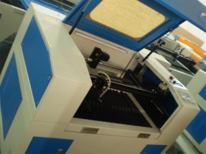 CO2 Laser Engraving and Cutting Machine (GS1612) pictures & photos