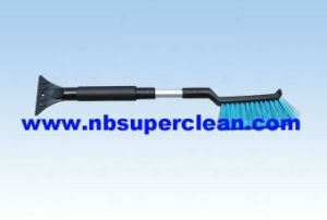53-66cm Car Snow Brush with Telescopic Aluminium Handle (CN2248) pictures & photos