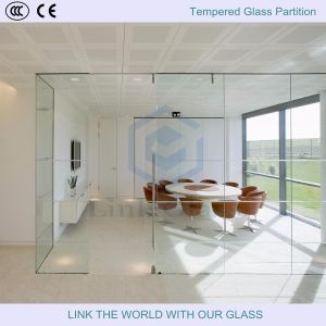 3-19mm Flat/ Curved Tempered Glass for Wall Partition pictures & photos