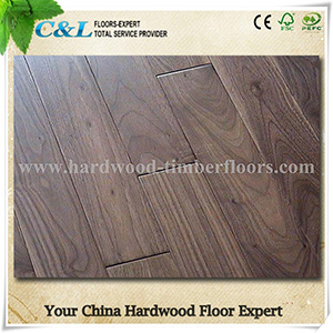 Natural Oil Finished American Walnut Solid Wood Flooring pictures & photos